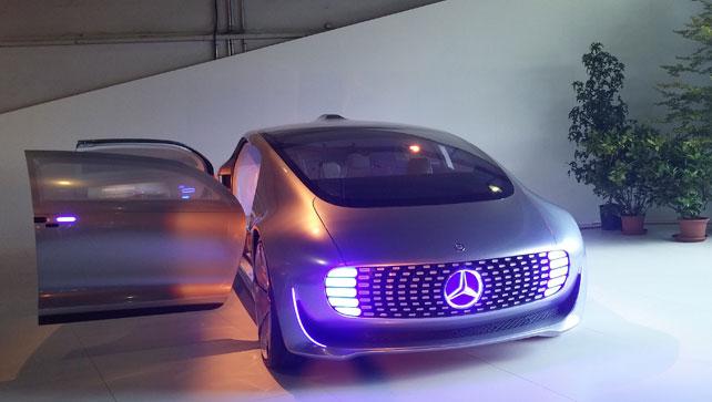 Mercedes-Benz-F105-Exterior